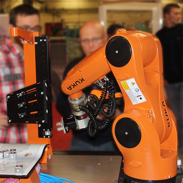 Formation Robotique Suni avec équipement Kuka