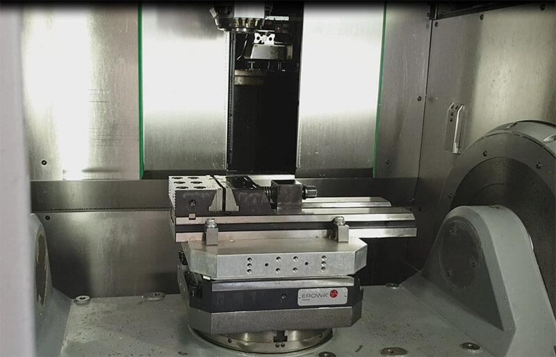 Machine d'usinage marque Hermle modèle C 30 U